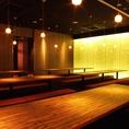 【個室 掘り炬燵タイプ】品川駅西口から徒歩2分と交通アクセス良好の当店。和モダンでシックなくつろぎ空間である店内は全席個室、2名~ご案内可能です。貸切もOK!上質な個室で、楽蔵自慢の海鮮・串焼きなどの和食や、日本酒・焼酎などの豊富なお酒をゆったりとお楽しみください。