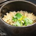 料理メニュー写真季節の土鍋御飯