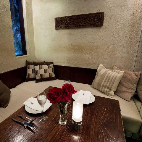水槽の小窓がついた半個室!記念日ディナーにおすすめです!!