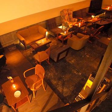 ピラーカフェ Pillar Cafeの雰囲気1
