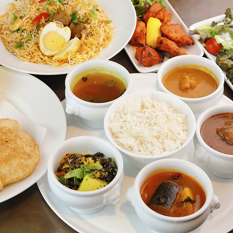 本場南インド料理専門店へようこそ!美味しい料理がお待ちかね◎