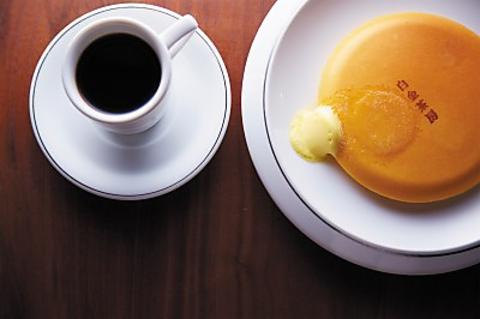 白金の住宅地にある大人の隠れ家カフェ、唯一無二のクラシックパンケーキは絶品。