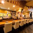 沖縄の雰囲気満点!暖かみがあり、活気あふれる店内♪カウンター席、テーブル席、お座敷席個室など・・・ご利用人数、ご利用シーンに合わせて様々なお席をご用意しています。