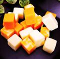 料理メニュー写真ミックスダイスチーズ
