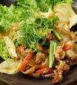 料理メニュー写真豚肉とキムチの炒めもの/揚げ出し豆腐 和風あんかけ