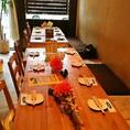 テーブルをつなげてご宴会も!最大55名まで承ります。