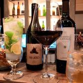 ワイン以外にも定番のカクテルなど各種取り扱っております。モヒートは特におすすめ。本格的なバーほど種類は多くありませんがその分、品質には気を使っております。女性のお客様には特に喜ばれております。