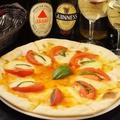 料理メニュー写真きのこのピザ/マルゲリータ