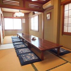 広々とした二階のお座敷席は法事や祝い事などのご利用に重宝されています。(最大20名様まで、少人数からもご相談承ります)