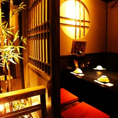 【全席個室】2名様~最大90名様まで対応♪光と影の織りなす落ち着きの美空間個室で贅沢なひとときをお楽しみください。※画像は系列店イメージです