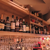 お酒の種類も豊富にとりそろえております♪