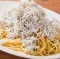 料理メニュー写真<PASTA>しらすたっぷりペペロンチーノ
