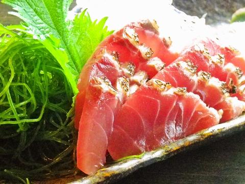 清水港直送の旬の鮮魚が自慢。落ち着いた雰囲気の店内でゆったり飲み、ゆったり宴会!