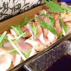 料理メニュー写真鶏のタタキ
