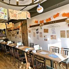 大人数で集まれるテーブル席を完備!仕事帰りの飲み会に、会社宴会、パーティーに人気の空間です!