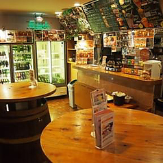 店内に立ち飲みスペースもあります♪