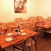 テーブルをつなげると6~10名様の団体席になります★お洒落な店内は女子会・誕生日・記念日・PARTY利用に最適です!