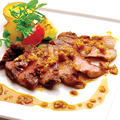 料理メニュー写真イベリコ豚ベジョータのロースト 木の実ソース