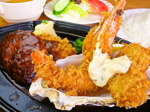 中央市場から仕入れた新鮮な旬の野菜や魚を使った料理を楽しめる。持ち帰りもできる。