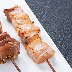 豚バラ串(2本)/つくね(2本)