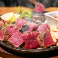 料理メニュー写真鉄板肉厚ステーキ