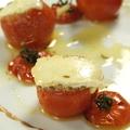 料理メニュー写真焼きトマトとカマンベールチーズ