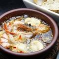 料理メニュー写真海老まるごとアヒージョ