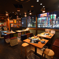全90席!!新宿の夜景を望む広々酒場
