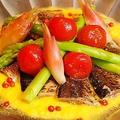 料理メニュー写真さんまとアスパラトマト、みょうがのカルパッチョ