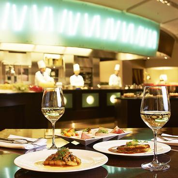 スーパーブッフェ グラスコート 京王プラザホテルの雰囲気1