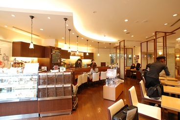cafe de 十番館 本店の雰囲気1