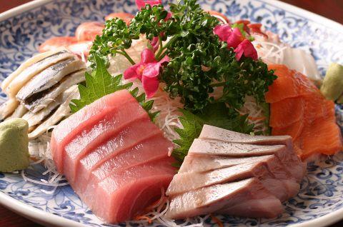 -*-*-見て食べてカラダいい感じ! 海の幸がたっぷり!!  飲み放題付いて ¥5,500~