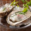 料理メニュー写真岡山県産 邑久の牡蠣 赤ワインビネガーとクリームソース