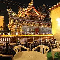 開放的なテラス席で宴会★関帝廟が見えるテラス席もおすすめ!昼間からもご宴会OK。開放的なテーブル席で贅沢なご宴会をしてみてはいかがでしょうか♪(横浜中華街 食べ放題 個室)