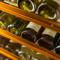 今宵の食事に合わせるのは、日本酒にしますか?ワインにしますか?希少銘柄も取りそろえた日本酒に、国産ワインやビオワイン、スパークリングワインも豊富な当店だからこそ、お客様のニーズにお応えします☆