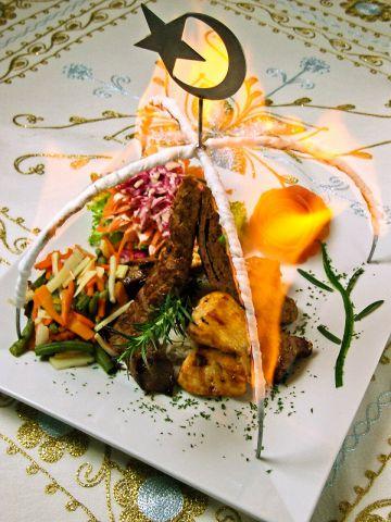 『ミックスケバブ』牛・若鶏・羊のシシケバブ。シェフ歴15年のトルコ料理を楽しめる!