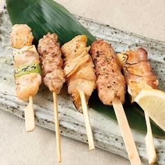 料理メニュー写真鶏串焼き盛合せ(5本)