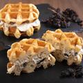 料理メニュー写真ベルギーワッフル クリームチーズサンド