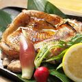 料理メニュー写真地鶏の岩塩焼