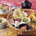【極御膳~KIWAMI~】選べる釜めし(小)、酢の物、刺身、煮物、焼き物、揚げ物、茶碗蒸し、お新香、汁物、ミニデザート(2680円)