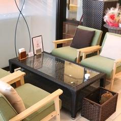 SMILE COFEE(スマイルコーヒー)では各種ソファー席をご用意しております。