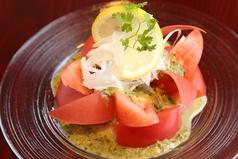 料理メニュー写真仙台トマトサラダ~自家製せりソースで~