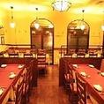 店内にはソファー席などのテーブル席を約50席完備しております。貸切でのご利用も可能ですので広々とした空間の中で、自慢のイタリアン料理をお楽しみ頂けます。雰囲気漂うイタリアン空間で、ごっゆくりとお食事、ご宴会をお楽しみください。西新宿駅から徒歩2分ですのでアクセスも抜群です。