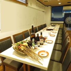 宴会用テーブルのイメージ。人数に合わせてご案内が可能です。(写真は18名様用となっております)