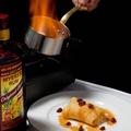 料理メニュー写真デザート時のスタッフによるフランベサービス♪クレープシュゼット