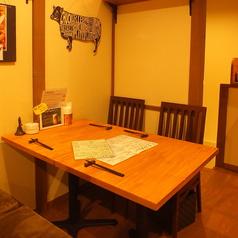 2階右側テーブル席