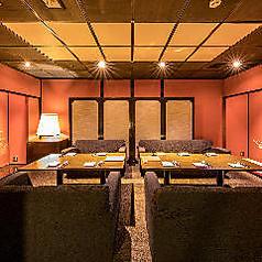 【ソファ席完全個室:2~12名】女子会利用におすすめの個室席。他のお客様を気にすることなくお食事や会話をお楽しみ頂けます。