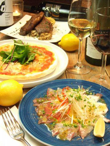 ワイン好きが集まる食堂!ワインに合うお食事も多数ご用意しております。
