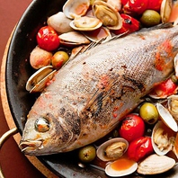 中央卸市場直送の新鮮な魚介を使った『アクアパッツァ』