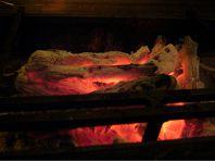 原木備長炭で焼く